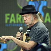 Neil Young appelle à soutenir Bernie Sanders face à Donald Trump