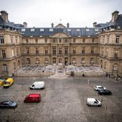 Dispense de justificatifs, modernisation: comment la loi ASAP va simplifier la vie des Français