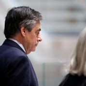 Soupçons d'emploi fictif : 5 ans de prison dont 2 ferme requis contre François Fillon
