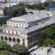 Le Châtelet condamné en justice et le spectacle Room with a view suspendu