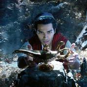 La lueur de la nouvelle lampe magique d'Aladdin