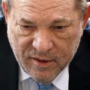 Harvey Weinstein sort de l'hôpital pour être transféré dans une prison au nord de New York