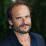 Coronavirus : le réalisateur Thomas Lilti renfile sa blouse de médecin pour se rendre utile