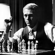 Jouer aux échecs en ligne contre le champion du monde