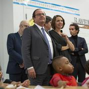 François Hollande va donner un cours à des enfants en Facebook live