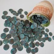 Slovaquie: des pièces en argent vieilles de 300 ans retrouvées sous une église de la Renaissance