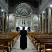 Prêtres confinés, ils racontent : «célébrer Pâques devant une église vide, c'est une réelle souffrance»