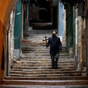 Vendredi saint : Jérusalem déserte pour le chemin de croix