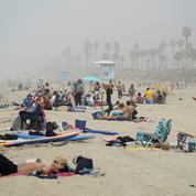 En Californie, la ruée sur les plages fait craindre une résurgence du virus