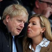 La fiancée de Boris Johnson donne naissance à un petit garçon