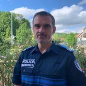 Anthony, policier municipal : «Quand on interpelle une personne, on doit aller au contact malgré le virus»