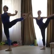 Les danseurs du Bolchoï gardent la forme malgré le confinement