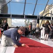 Caissons en plexiglas, itinéraire fléché ... À Hollywood, les tapis rouges confrontés au Covid-19