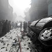 Pakistan : les images témoignent de la violence du crash qui a fait près de 100 morts