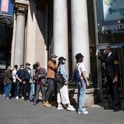 À Paris, le grand magasin Printemps Haussmann a rouvert ce jeudi
