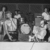 La nuit avec moi ,un titre inédit de 1969 dans le nouveau coffret de Johnny Hallyday