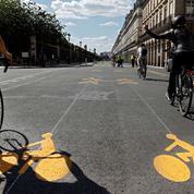 Entre les voitures, les terrasses et les pistes cyclables, la guerre de l'espace est déclarée dans les agglomérations