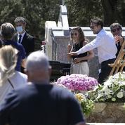 Chansons et applaudissements pour l'inhumation de Guy Bedos à Lumio, en Corse