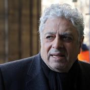 Enrico Macias hospitalisé après s'être brisé le col du fémur