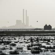 Climat: les Français favorables à un changement du système économique pour les entreprises polluantes