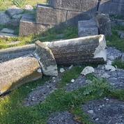 Les vestiges de l'antique Apollonia d'Illyrie vandalisée en Albanie