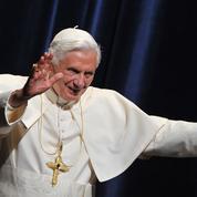 Le pape émérite Benoît XVI en visite en Allemagne au chevet de son frère