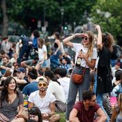 Fête de la musique : des milliers de personnes réunies à Paris sans distanciation sociale