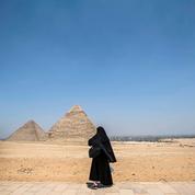 Les pyramides de Gizeh rouvrent au public alors que l'Égypte peine à endiguer l'épidémie