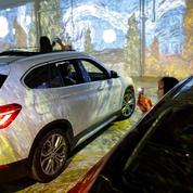En voiture au musée : une exposition Van Gogh en drive-in aux temps du coronavirus