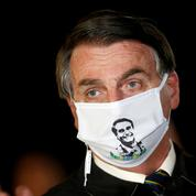 Coronavirus: soupçonné d'être malade, Bolsonaro se soumet à un test