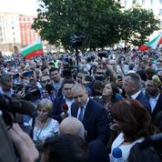 Perquisitions à la présidence bulgare, des milliers de manifestants