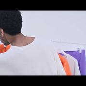Homme Plissé Issey Miyake dévoile une vidéo dansante et colorée