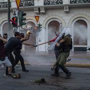 Grèce : neuf arrestations après des violences lors d'une manifestation à Athènes