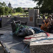 Un artiste veut exposer les statues déboulonnées dans une déchèterie transformée en parc à Chicago