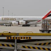 La distanciation physique à bord des avions irréaliste, selon Emirates