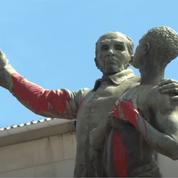 Une statue de l'abolitionniste Victor Schoelcher renversée en Guyane