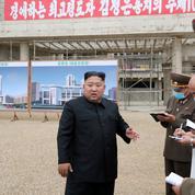 Kim Jong-un réprimande les responsables du chantier d'un grand hôpital à Pyongyang