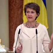 En Ukraine, la présidente suisse affiche son soutien à la paix dans l'est