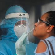 Coronavirus : les restrictions se multiplient face à une recrudescence de cas dans le monde