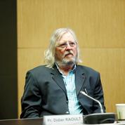 Plainte de Didier Raoult contre Martin Hirsch pour «dénonciation calomnieuse»