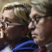 Marine Le Pen purge la direction de son parti avant les régionales