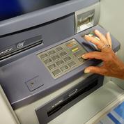 Les fermetures de distributeurs de billets s'accélèrent en France