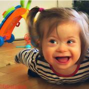 Louise, fillette trisomique refusée du mini-club vacances : son père alerte sur la place des enfants handicapés