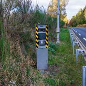 Le panneau de signalisation était caché par la végétation, les contraventions pourraient sauter