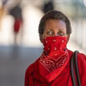 Covid-19: les masques chirurgicaux très efficaces, les bandanas beaucoup moins, selon une étude