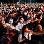 Thaïlande: les manifestations pro-démocratie mobilisent des milliers de manifestants