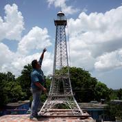 À défaut de pouvoir venir à Paris, un Cubain construit sa propre tour Eiffel pour capter le wifi