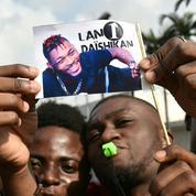 Pour célébrer DJ Arafat, les fans se rassemblent à Abidjan