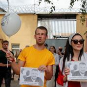 Biélorussie: l'opposition devant un centre de détention pour le 10e jour de protestation