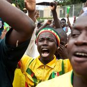 Mali: des milliers d'opposants fêtent la «victoire du peuple» après le coup d'État
